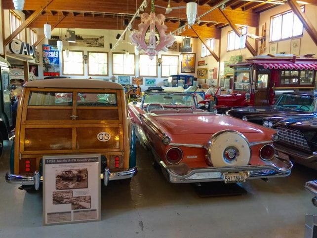 A snapshot of the interior of Sheldon's Collector's Museum.